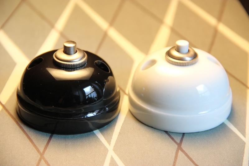 boutons de sonnette en porcelaine heure industrielle. Black Bedroom Furniture Sets. Home Design Ideas