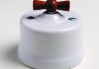Fontini Garby porcelaine blanche manette bois vieilli